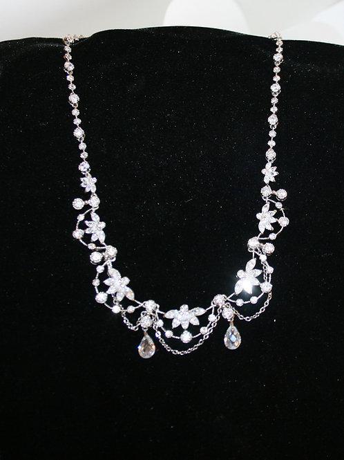 Rhinestone Floral Scallop Necklace