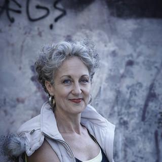 Elizabeth Farrelly