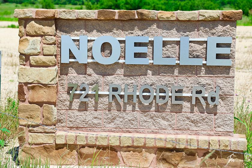 Noelle sign.jpg