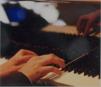 piano hands Jonathan Parry