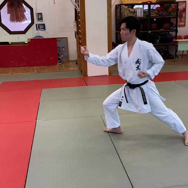15. Uchi ude uke (külső védés).mov