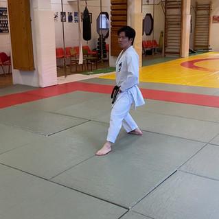 16. Kokutsu dachi (védő állás).mov