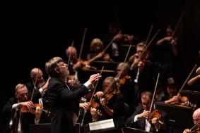 Sir Andrew Davis & Orchestra