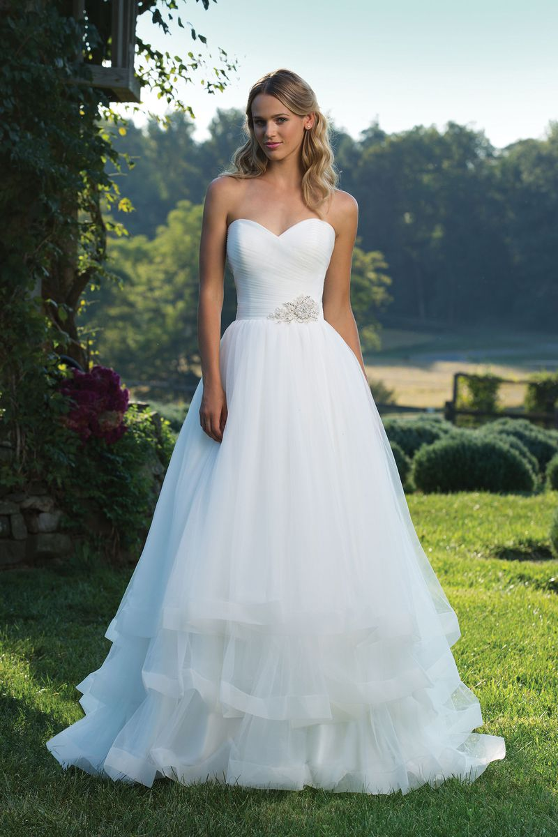 Sincerity Wedding Dress 3890