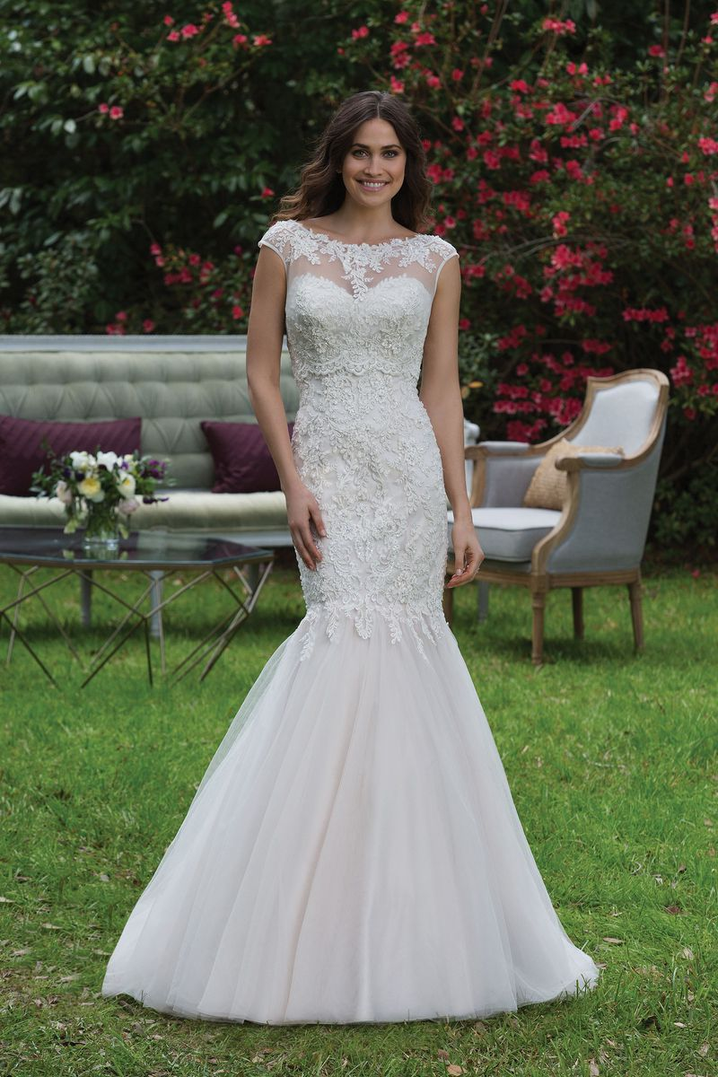 Sincerity wedding dress 3944