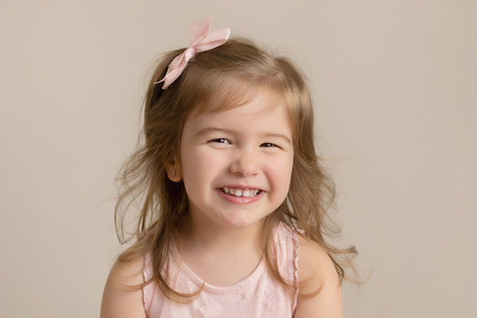 childrens photo photographer photoshoot newport cwmbran monmouthsire south wales