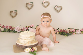 rustic hearts baby girls birthday cake smash photo photos photoshoot photographer newport, cwmbran, monmouthshire south wales