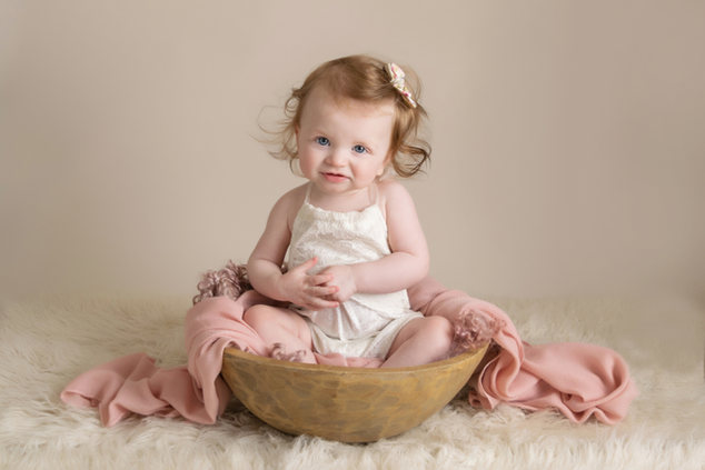 sitter baby girl photo | photographer newport cwmbran monmouthsire south wales