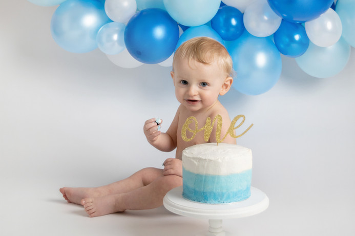 baby boy blue and gold birthday cake smash photo photos photoshoot photographer newport, cwmbran, monmouthshire south wales