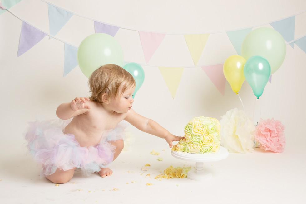 lemon and mint baby girls birthday cake smash photo photos photoshoot photographer newport, cwmbran, monmouthshire south wales