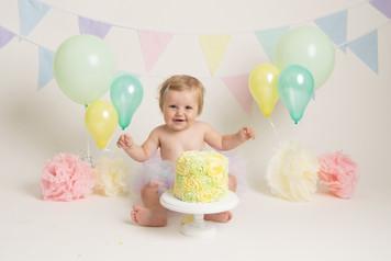 pastel balloons baby girls birthday cake smash photo photos photoshoot photographer newport, cwmbran, monmouthshire south wales