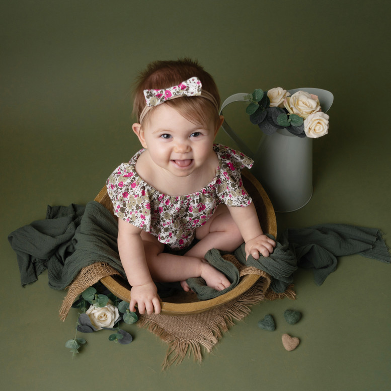 girls baby sitter photo photographer photoshoot newport cwmbran monmouthsire south wales