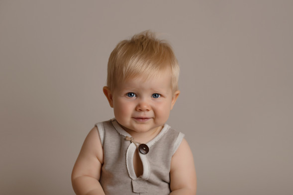 sweet boy sitter photo photographer photoshoot newport cwmbran monmouthsire south wales