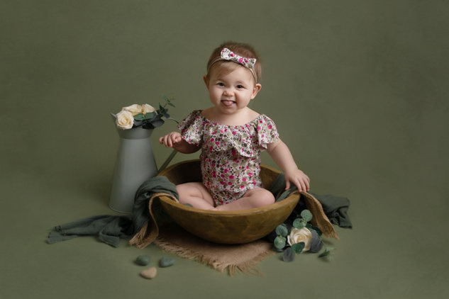 sitter baby girl photo photographer newport | photographer cwmbran | photographer south wales | photographer monmouthsire