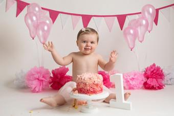 baby girls pink bunting  birthday cake smash photo photos photoshoot photographer newport, cwmbran, monmouthshire south wales