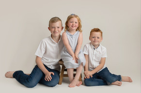 family childrens art sitter photo photographer photoshoot newport cwmbran monmouthsire south wales
