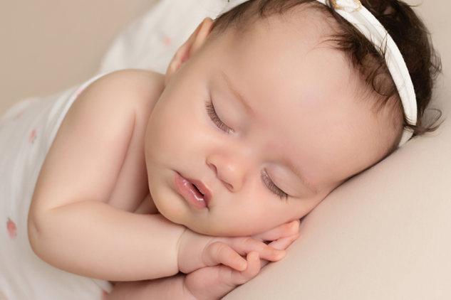 newborn baby girl sleep pink photo photographer newport cwmbran south wales monmouth monmouthsire