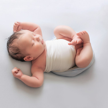 relax newborn baby photo photographer photoshoot newport cwmbran monmouth monmouthsire south wales