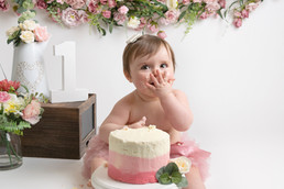 baby girls birthday cake smash photo photos photoshoot photographer newport, cwmbran, monmouthshire south wales