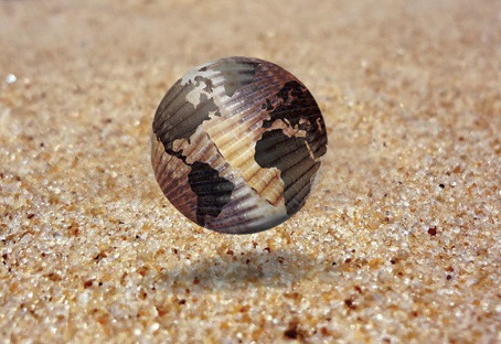 To See The World in a Grain of Sand