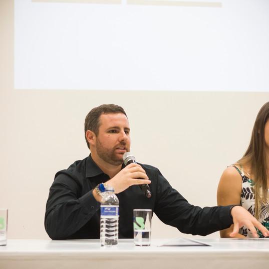 Gustavo Tolledo Bacchim, biólogo integrante da equipe técnica responde a perguntas sobre o empreendimento