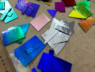 Fatal attraction to dichroic colour!