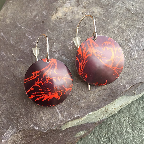 Anodised aluminium earrings red and black Rococo