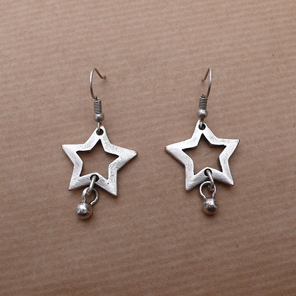 Cut out star earrings