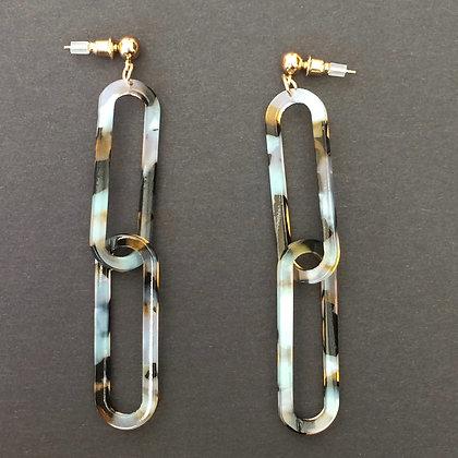 Liza resin link drop earrings