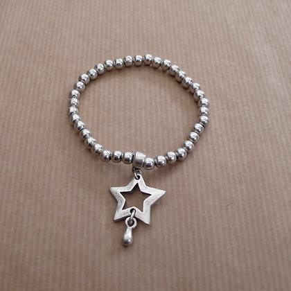 Star charm stretch bracelet