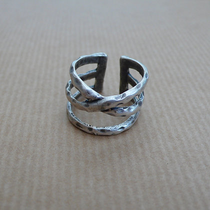 Criss cross open back ring