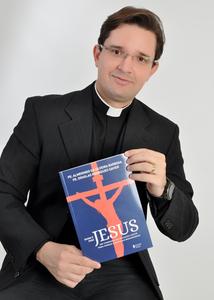 Padre Douglas Rodrigues Xavier