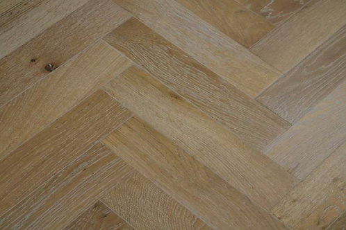 Herringbone Limed Oak 90mm x 400mm x 18mm