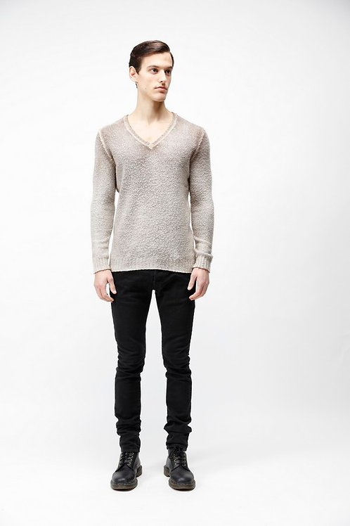 V-neck pullover with pilling effect