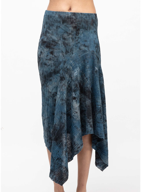 Asymmetric camouflage effect skirt