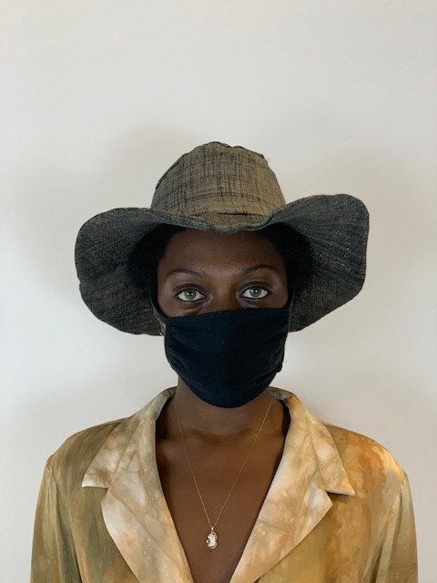 Straw textile hat in black