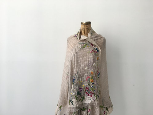 Countryside scarf - embroidery flowers