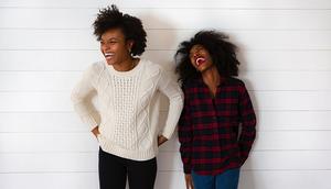 Compartir y hablar con compañeros de trabajo