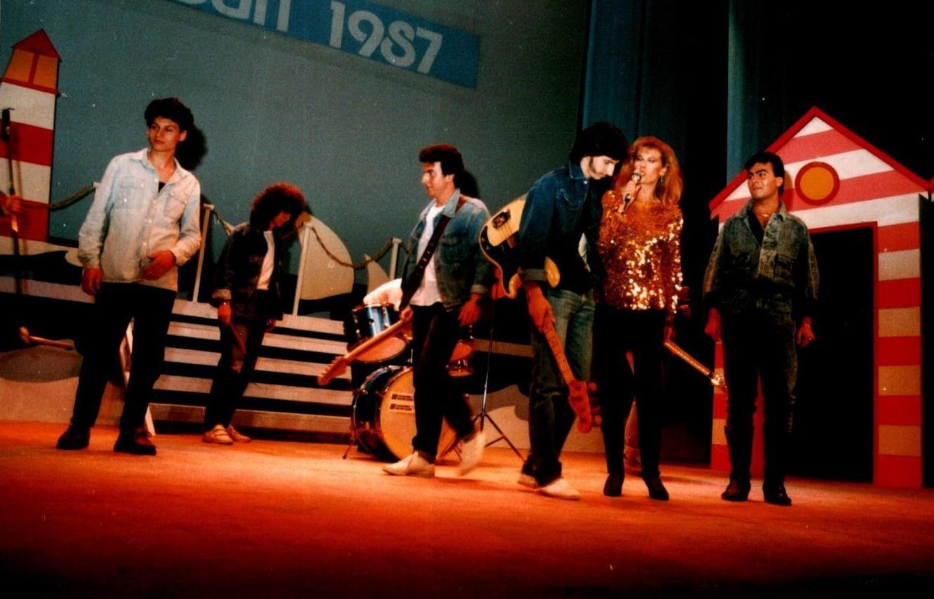 Zona live 1987