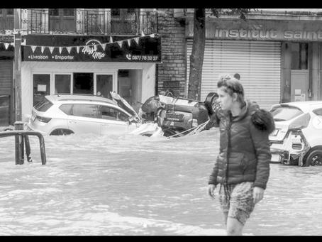 Met overstromingen, stelt Helpify Community iedereen in staat om solidariteit te tonen