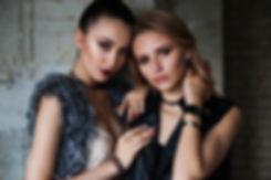 two-girls-1828539_1920.jpg