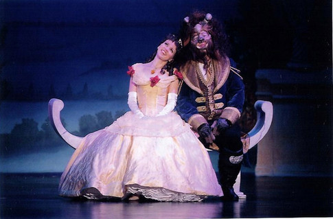 """""""Beauty and The Beast"""" with Lauren Kennedy"""