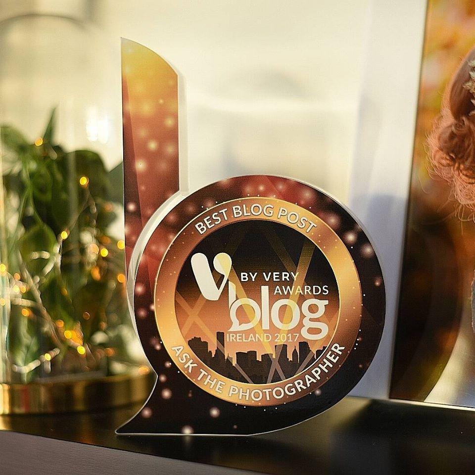 gold blog award V by Very blog awards 2017