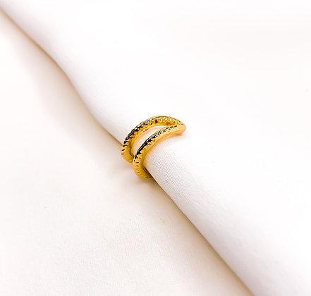 Earcuff goud gold two stripe   Oorbellen zonder piercing   Clipoorbellen   Oorclips   Oorbellen zonder piercing