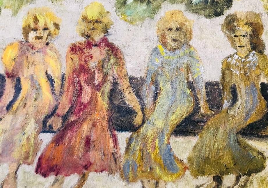Mujeres En La Banca