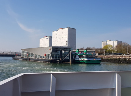 Sailing on the ‌Gosport Ferry‌