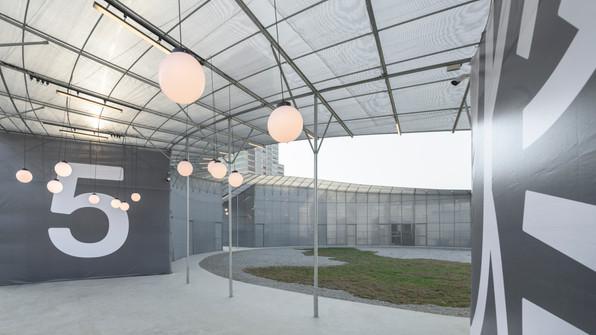 多入口的空間層次,讓民眾可以自由在空間中流動