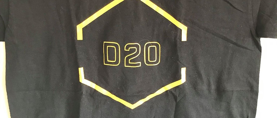 D20 Black&Yellow Crit Shirt