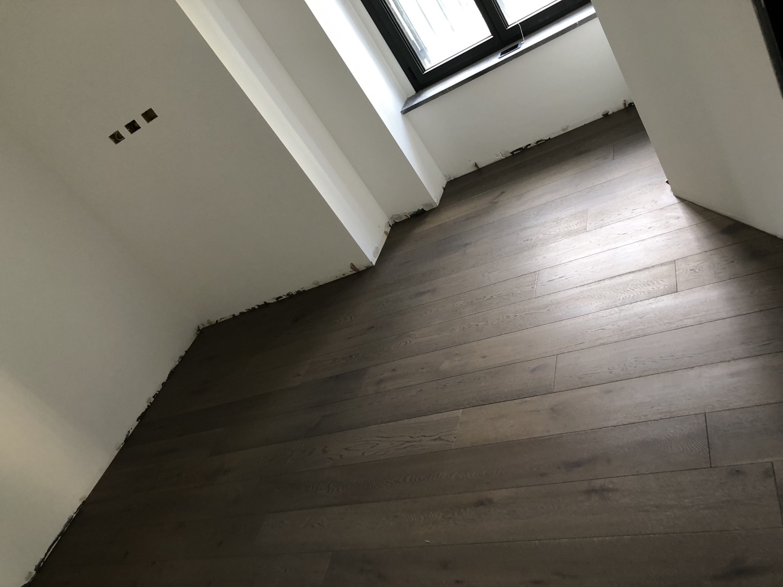 Pavimenti in legno Rovere tinto grigio