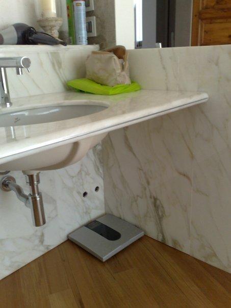 Bagno a casellario in marmo Bianco Calacatta